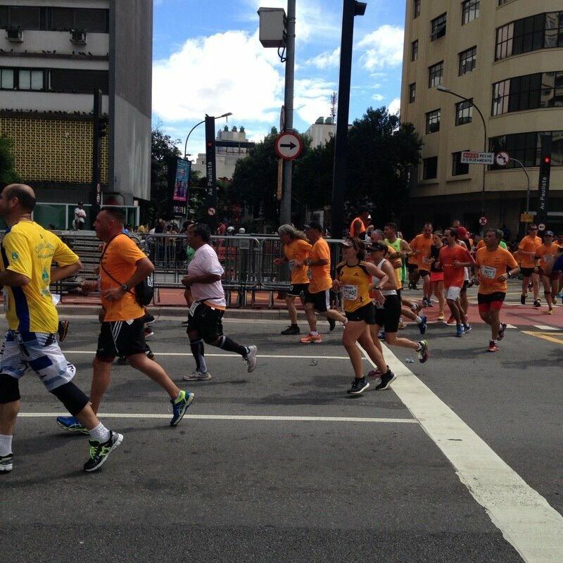 Virando a esquina na Paulista, era correr pro abraço final